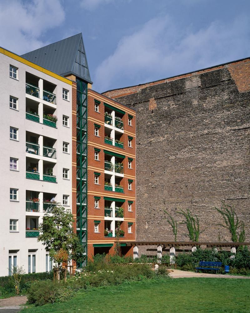 palladium photodesign residential building kochstrasse berlin. Black Bedroom Furniture Sets. Home Design Ideas